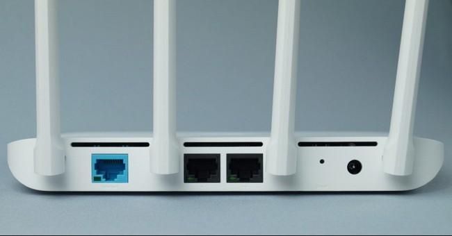 Задняя панель роутера Xiaomi